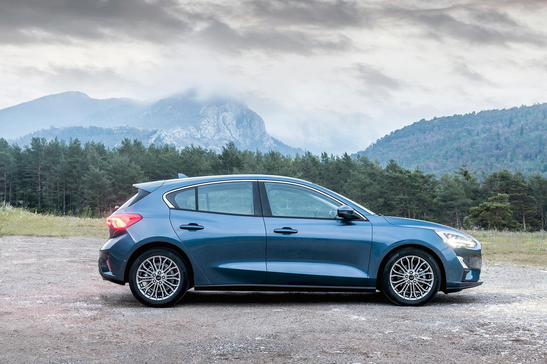 renting ford focus 1.5 ecoblue trend exterior