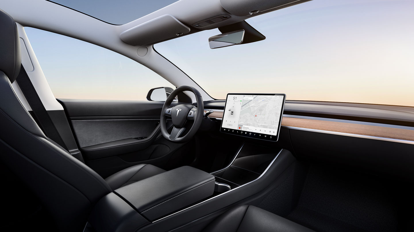 Renting coches Tesla Model 3
