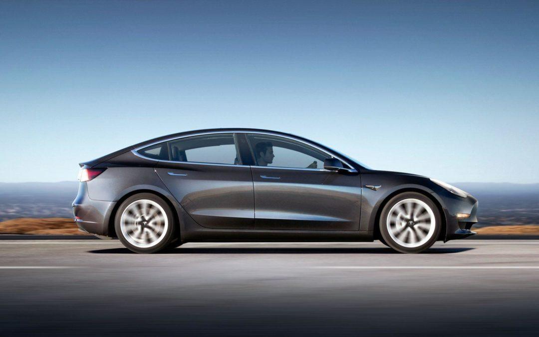 Renting empresas Tesla Model 3