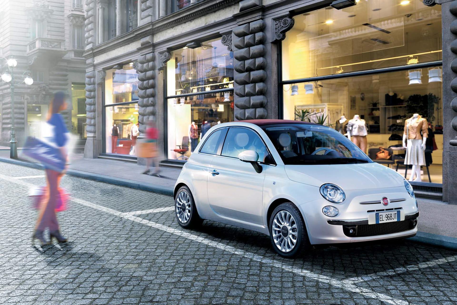 Renting Fiat 500 Lounge exterior