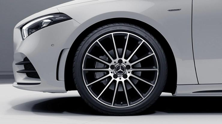 Renting Mercedes Clase A