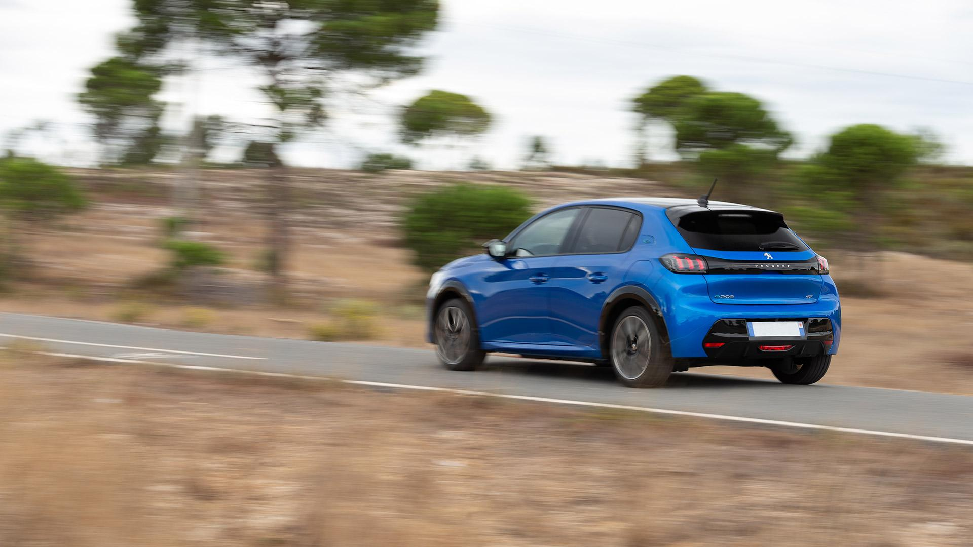 Renting Peugeot E208