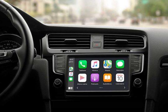 Cómo conectar tu móvil al coche para tener acceso a tus apps