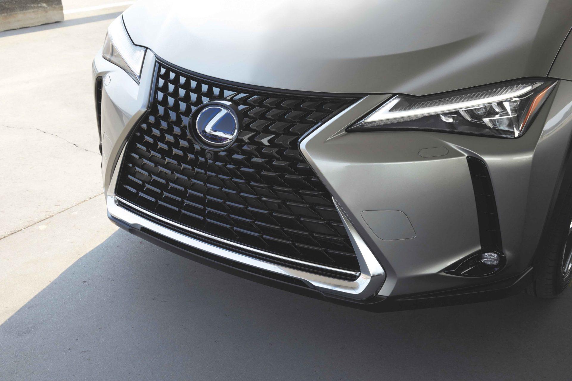Renting Lexus UX