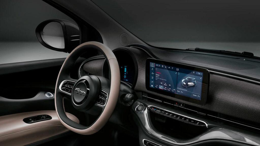 Equipamiento y conectividad del Fiat 500e