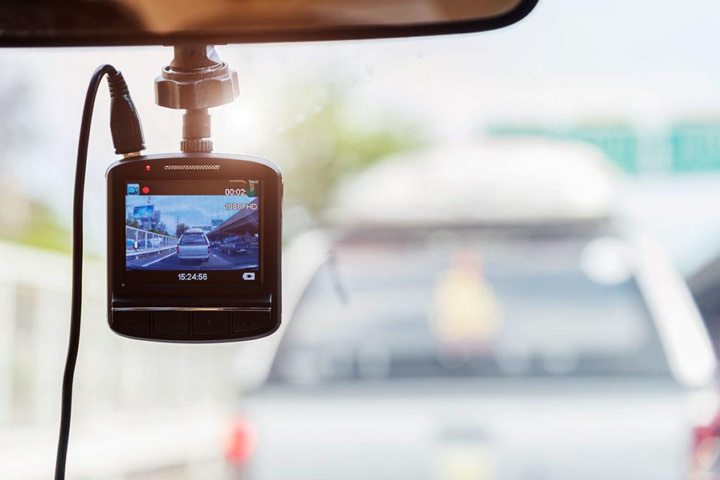 Llevar una dashcam en el coche es legal en España