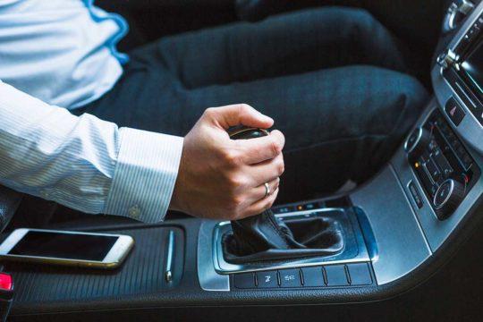 Motivos para optar por un coche de transmisión manual