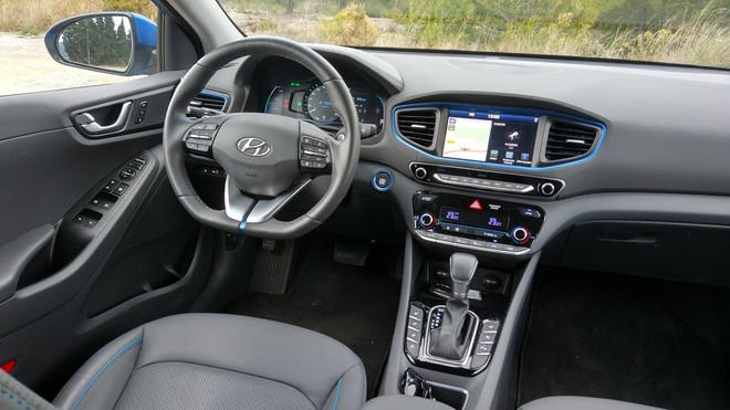 Renting Hyundai Ionic interior