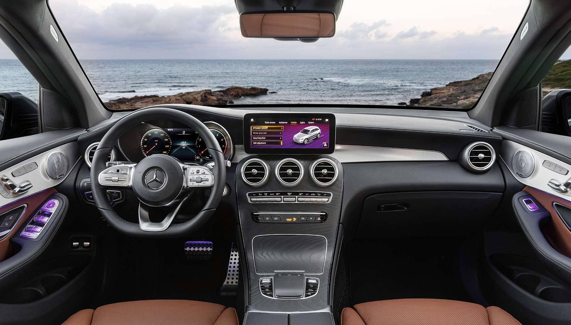 Interior del Mercedes GLC de Renting