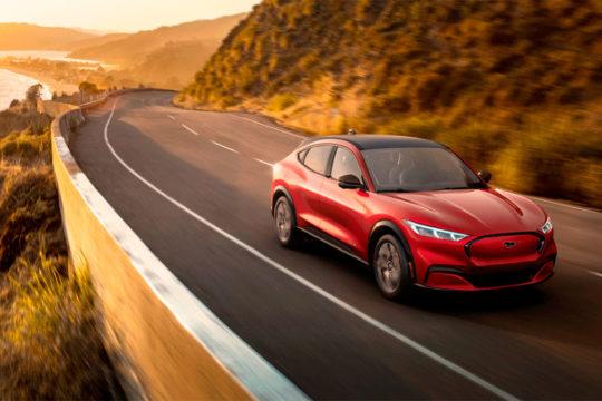 Nuevo Ford Mustang Mach-E 2021 100% eléctrico