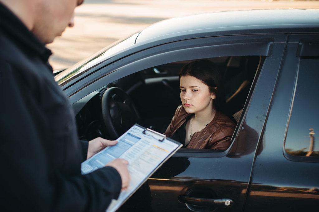 Motivos por los que la Guardia Civil puede inmovilizar tu coche