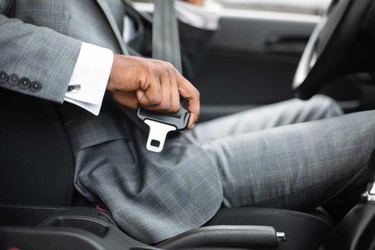 La historia del cinturón de seguridad en los coches