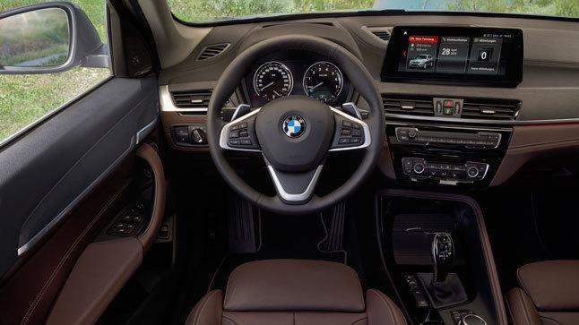 Interior BMW x1 híbrido