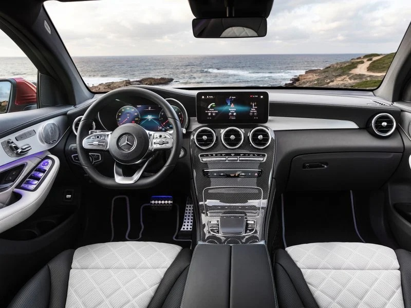 Interior y asientos del Mercedes GLC 300 DE 4Matic