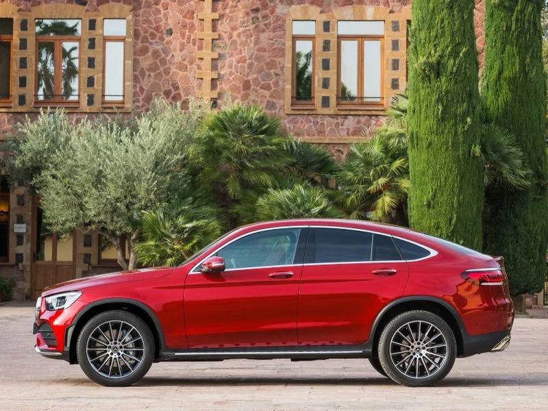 Renting de coches Mercedes GLC 300 DE 4Matic rojo