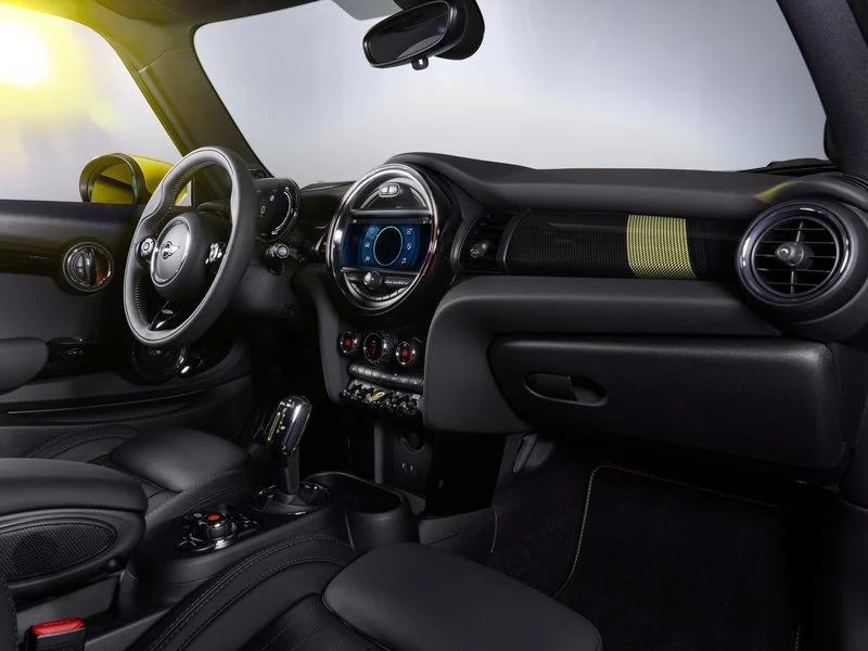 Renting de coches Mini Cooper Se Interior