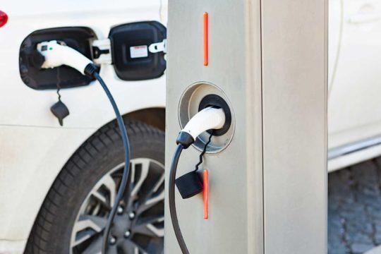 Elige el mejor cargador de coches eléctricos