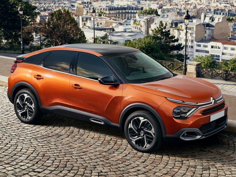 Renting Citroën C4 2020
