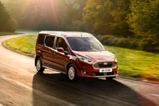 Renting Ford Tourneo Connect Active 2021 exterior