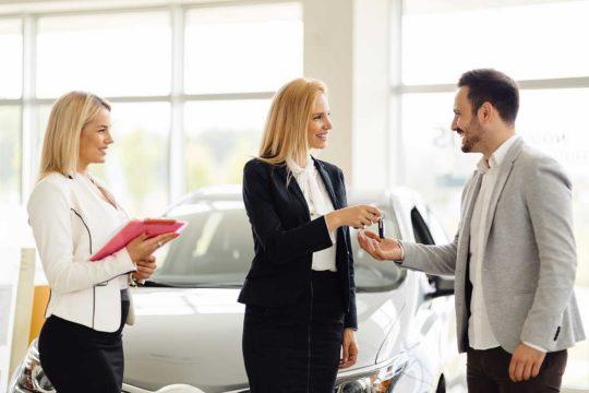 Descubre los 5 mitos más populares sobre el renting de coches