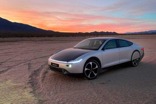 Descubre el primer coche solar del mundo de largo recorrido