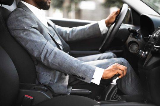 ¿Cómo cambiar correctamente de marcha en el coche??