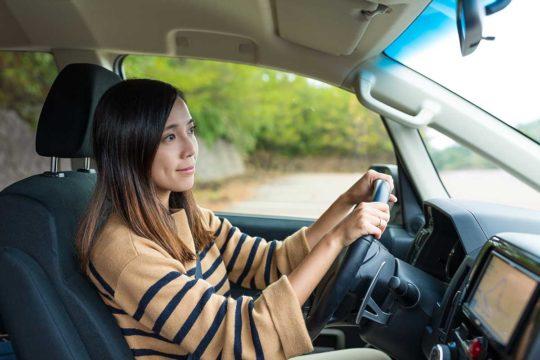 Conoce los 8 malos hábitos más comunes al conducir