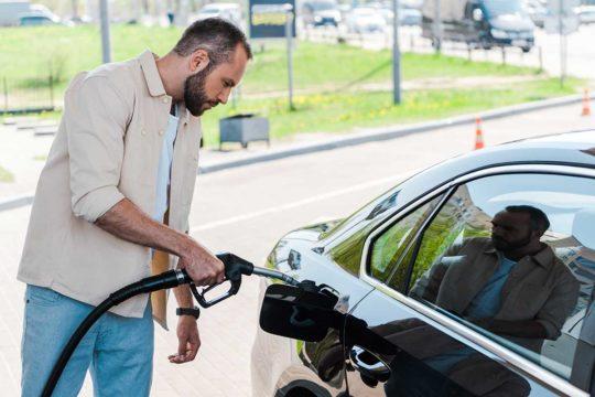 ¿Qué pasa si te equivocas de combustible al repostar?