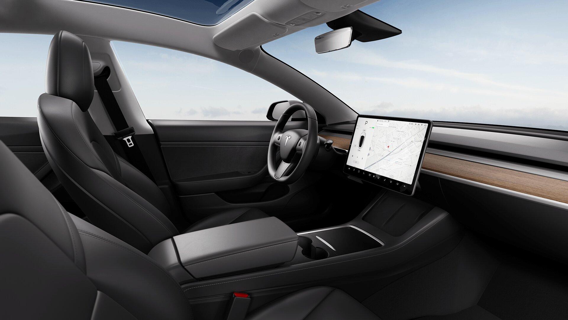 renting Tesla Model 3Gran autonomía 4WD