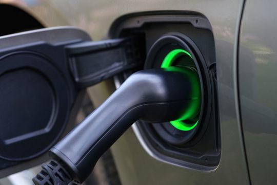 El Gobierno inyectará 4.295 millones de euros para impulsar el coche eléctrico